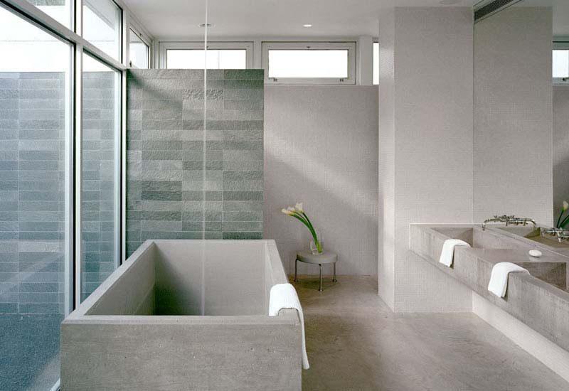 Ba o minimalista con iluminaci n natural im genes y fotos - Iluminacion cuartos de bano ...