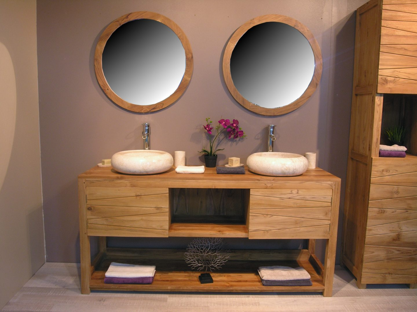 Cuarto de ba o familiar im genes y fotos for Cocktail scandinave miroir